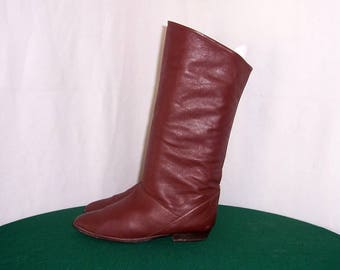 Sz 8 M Vintage Tall Brown Genuine Leather 1980s Women Flat Pirate Slouch Boots.