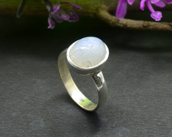 Natural Rainbow Moonstone Oval Gemstone Ring 925 Sterling Silver R648