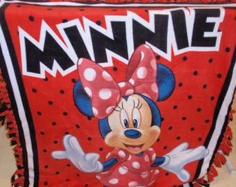 Minnie Mouse Tied-edge Blanket