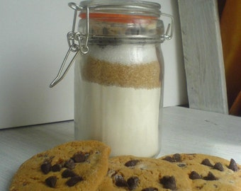 Kit the almonds and chocolate chip cookies