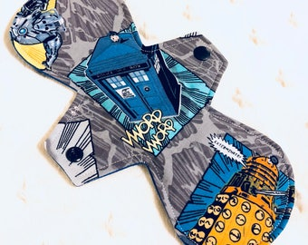 """10"""" Moderate Absorbency dr who tartis"""