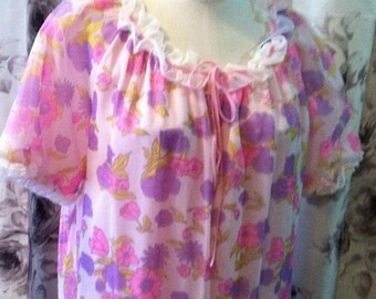 35% off Sale 1970 pink floral day dress med-large