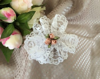 Flower 9 cm white lace and rose buds