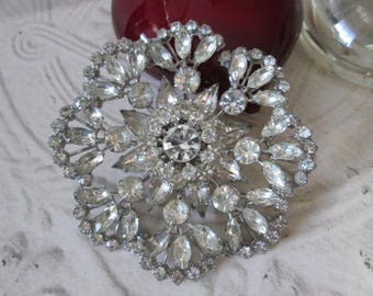 """HUGE Vintage Clear SPARKLE Pin/Brooch* measures approx. 3-1/4"""" across!"""