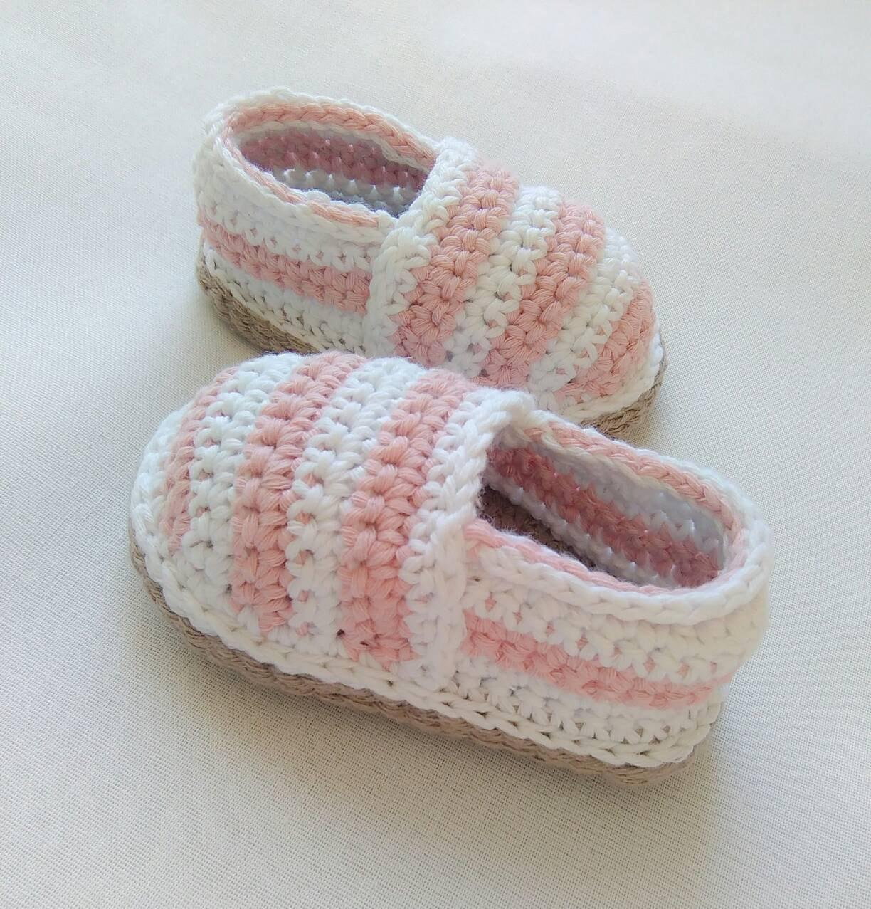 Enchanting Häkeln Baby Sandalen Frei Muster Crest - Decke Stricken ...