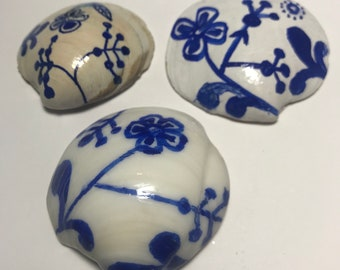 Delft-Style Painted Seashells