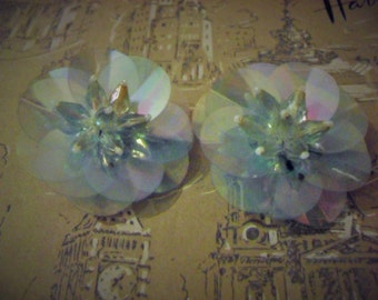 1960s Green Pearlescent Clip on Earrings (4649)