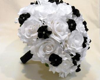White and Black Wedding Bouquet, Bridal Bouquet, Bridesmaid Bouquet, White and Black Bouquet, Alternative Bouquet, Alternative Wedding