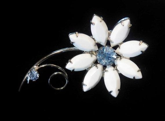 Rhinestone Brooch / Flower / Milk Glass