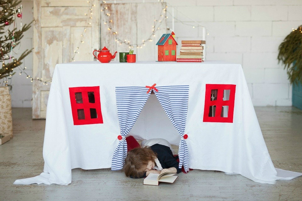 ?zoom & Playhouse tablecloth nautical play house play tent table