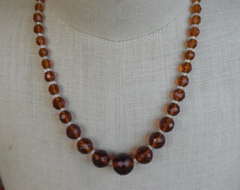 Vintage 1950s to 1960s Rootbeer Colored Graduated Faceted Beaded Glass Necklace Amber Graduated