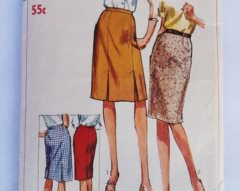 60s Vintage Simplicity 6336 Straight Skirt with Pleats Sewing Pattern, Waist 25 inches, Basic Pleated Skirt Pattern