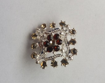 Nice small vintage silver tone brooch free shipping