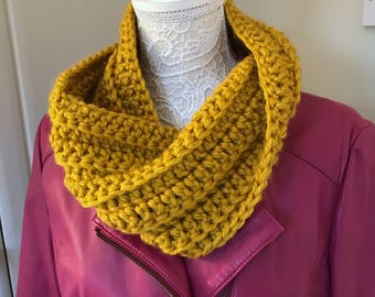 Chunky Crochet Cowl, Super Chunky Ribbed Winter Cowl, Mustard Cowl, Infinity Scarf, Mobius Cowl, Twisted Chunky Cowl, Twisted Scarf