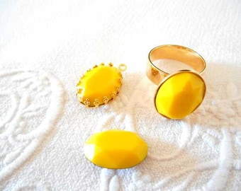 Matte yellow Crystal faceted 13 x 18 mm cabochon.