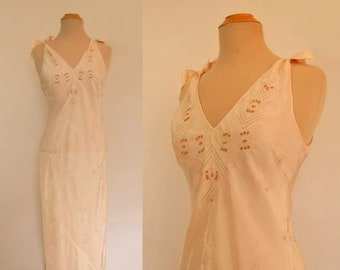 Vintage Nightgown - 1930s Bias Cut Silk Nightgown With Hand Embroidery - Pink - Bust 91 cm