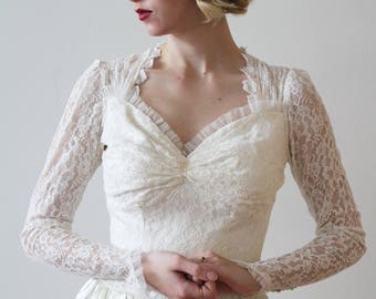 Vintage 1940s Long Sleeved Lace and Satin Wedding Dress with Sweetheart Neckline