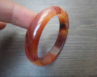 57 mm natural agate bracelet