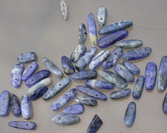 set of 20 beads veined agate color sodalite blue