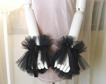 2 pcs Elizabeth Black Tulle Lace Cuff gloves Arm Cover Sleeves Velvet Tail  Victorian Rococco armpiece bracelet Gothic Goth steampunk