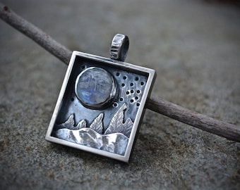 Shadow Box Necklace, Shadow Box, Man in Moonstone, Moon Landscape Jewelery, Landscape Jewelry, Rainbow Moonstone, Moonstone, Sterling Silver