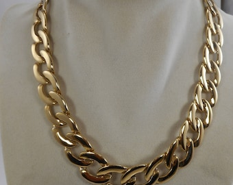Vintage Napier Gold Tone Link Collar Choker Necklace 16 inch ,Large link Necklace