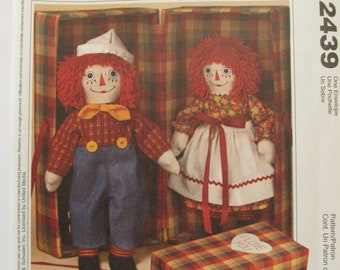 McCall's 2439 Raggedy Ann & Andy Cloth Doll Patterns +  Wardrobes + Double Carrying Case_Vintage_UNCUT