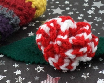 Sarah Jane Smith - Crocheted Rose Bar Pin - Red and White (SWG-PS-DWSJ01)