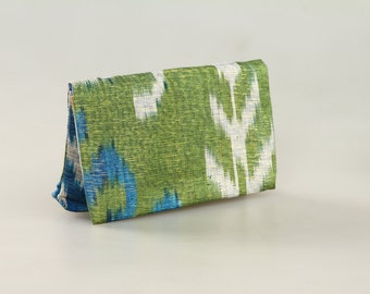 Small clutch: made from ikat from Uzbekistan - blue and white on front