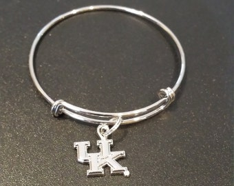 University of Kentucky Wildcats Inspired Silver Tone Expandable Bracelet with a charm