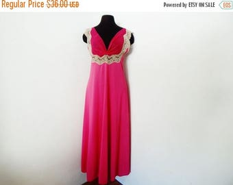 STOREWIDE CLEARANCE Vintage 60s Magenta Nightgown Luxury Lingerie Hot Pink Negligee' Lace Hollywood Glamour S Small