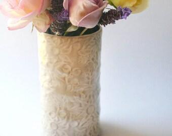 White and buff Medium vase with Flannel Flower design - medium size