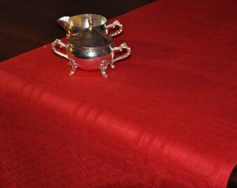 Linen Tablerunner In Deep Crimson Red Linen/ Table Cover Linen/ Linen Home Accessoire/ Linen Gift/ Eco Home Textile/ Pure Linen Table Cover