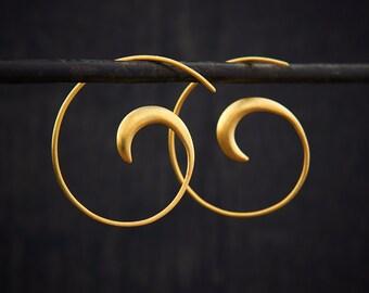 Gold Hoop Earrings, Brushed Gold Hoops, Swirl Hoops, Modern Hoop Earrings, Minimal Hoops, Simple Hoops, Everyday Earrings, Gold Vermeil