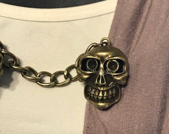 Sweater Clips: Skull with Teeth in Bronze