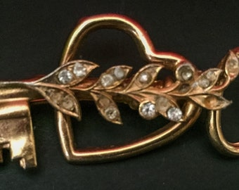 Vintage Coro Key To My Heart Brooch Pin Crystal Vine Leaves Goldtone Jewelry Skeleton Key