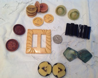 Vintage buckles and buttons, early plastic.   Group 1
