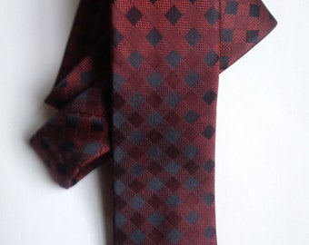 Black & Burgundy Checkered Skinny Tie | mens tie | jacquard tie | skinny tie | wedding tie | red tie | wedding ideas | groom | best man