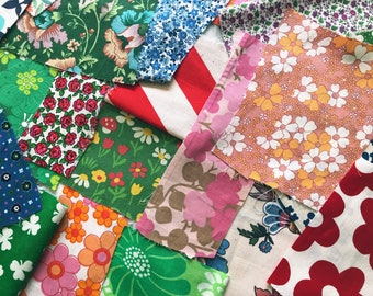 Scandinavian Vintage fabric Mod floral print Retro fabric Mixed lot Floral bold pattern 60s Gift Flower power Cotton Quilting sewing