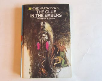 Hardy Boys The Clue in the Embers, Hardy Boys vintage book, Hardy Boys Number 35, Hardy Boys 1970s book, Hardy Boys, Clue in the Embers