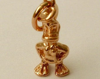 Genuine SOLID 9ct ROSE GOLD 3D Donald Duck Animal Disney charm pendant