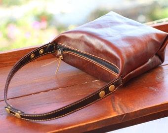Hobo bag / Shoulder Bag / Travel bag / Everyday Bag / 100 Handmade / %100 Handstitched / Walnut Brown