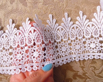 White lace trim 9.5 cm wide, White bridal lace trim, White venise trim by the yard, Wide lace edging, White lace trimming, Lace trim