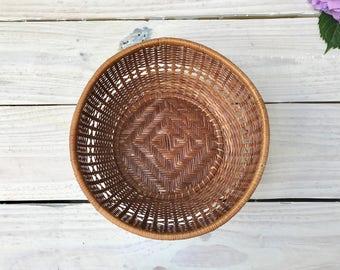 Vintage Woven Basket    Wicker Basket
