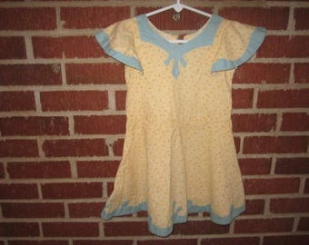 Vintage 1930s/40s Cotton Yellow Print sz 5/6 Childs Dress with Blue Appliqued Trim