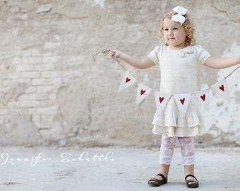 MINI Painted White Red Glittere Hearts Burlap Banner