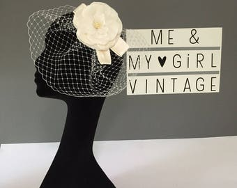 Flower Birdcage Veil With Pearl Detail, Flower Veil, Birdcage Veil, Wedding Fascinator, Wedding Flower Hairpiece, Flower With Veiling