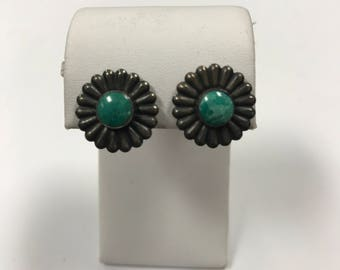 d179 Vintage Original Sterling Silver Flower with Green Stone Earrings