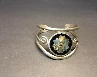 Vintage Alpaca bracelet with - mother of Pearl