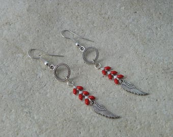 Red enameled ears 3 chain earrings